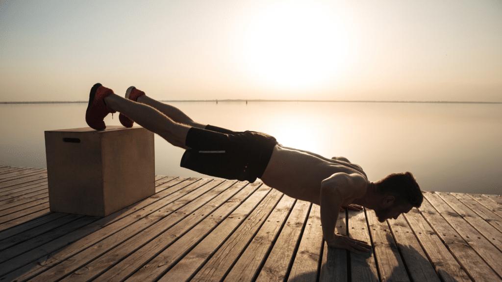 allenare tricipiti a corpo libero